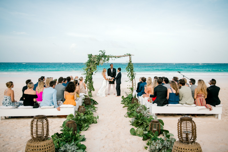 0100_Christie & Jon Harbour Island Wedding Ocean View Club {Jennings King Photography}